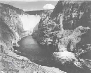 Дамба Гувера в Аризоне